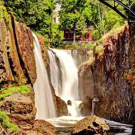 Geraldine Scull - Paterson Falls Great Falls