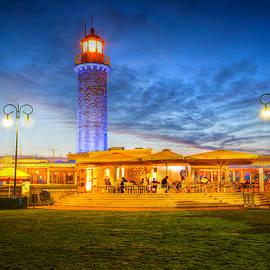 Milan Gonda - patras lighthouse