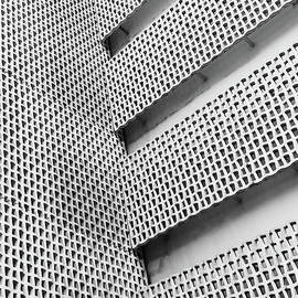 Fei A - Patterned Wall