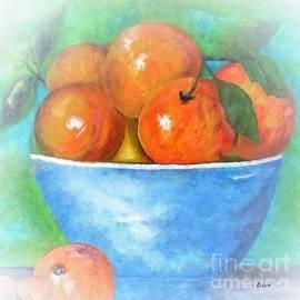 Eloise Schneider - Peaches in a Blue Bowl Vignette