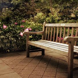 Jessica Jenney - Perennial Garden Respite