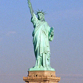 Photo of the Statue of Liberty - American School