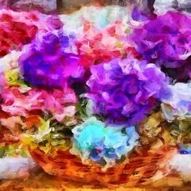 Pi's Flower Basket by Caito Junqueira
