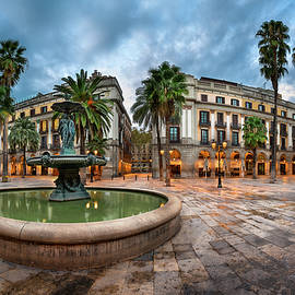 Andrey Omelyanchuk - Placa Reial in the Morning, Barcelona, Catalonia, Spain