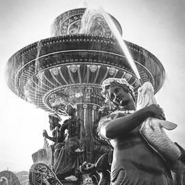 Place de La Concorde water fountains.  by Cyril Jayant