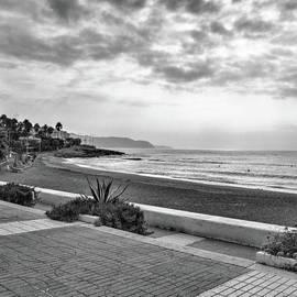 Playa Burriana, Nerja