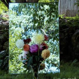 Linda Troski - Plein Air Refelxion Floral