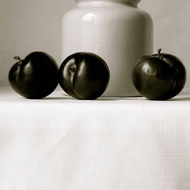 Lillian Bell - Plums and Crock Black and White