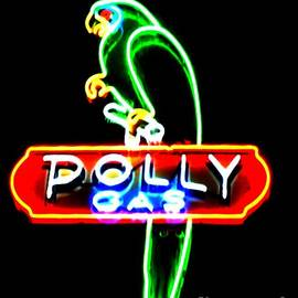 Kelly Awad - Polly Gas