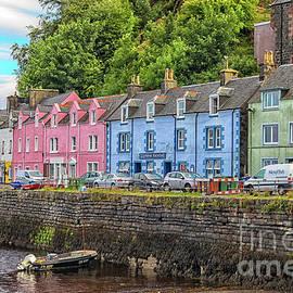 Portree town on Skye, Scotland by Patricia Hofmeester
