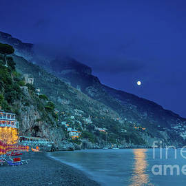 Inge Johnsson - Positano Beach at Night