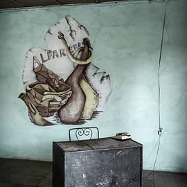 Joan Carroll - Pottery Workshop Trinidad Cuba
