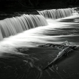 Presque Isle River- Porcupine Mountains by Jim Dohms
