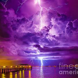 Stephen Whalen - Psychedelic Lightning Seascape