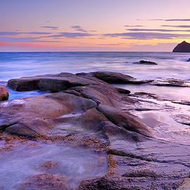 Guido Montanes Castillo - Purple sunset at Vela blanca tower
