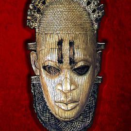 Queen Mother Idia - Ivory Hip Pendant