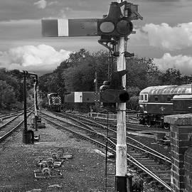 Gill Billington - Railway Signals in Black and White