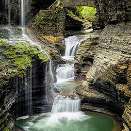 Rainbow Falls Gorge by Stephen Stookey