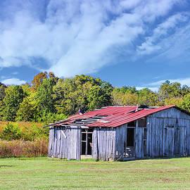 Ramshackle Kentucky Barn by Lorraine Baum