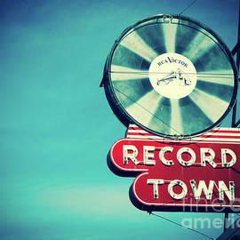 Sonja Quintero - Record Town Blues