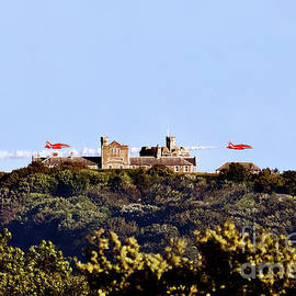 Red Arrows at Pendennis Castle