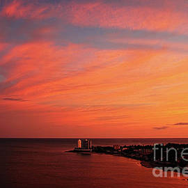 Red at night Sailors delight by Bob Hislop