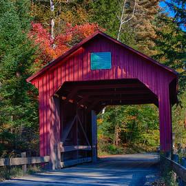 Jeff Folger - Red autumn foliage over Moseley covered bridge