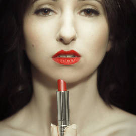 Amanda Elwell - Red Lipstick