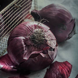 Maggie Terlecki - Red Onions