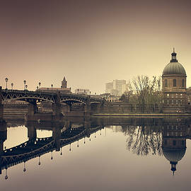 Mickael PLICHARD - Reflections on the Garonne in Toulouse