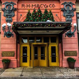 Gary Keesler - R.H. Macy Store