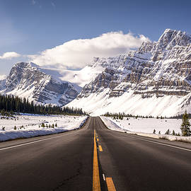 Road to the Mountains by Yves Gagnon