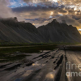 Road to Vestrahorn Iceland - Mike Reid