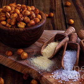 Lana Malamatidi - Roasted spicy chickpeas on rustic background