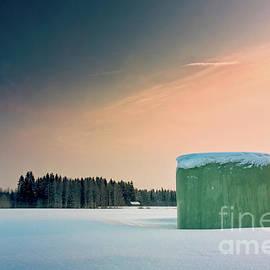 Jukka Heinovirta - Roll Bale On A Winter Morning