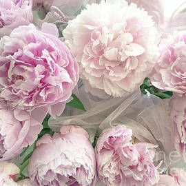 Romantic Shabby Chic Pastel Pink Peonies Bouquet - Romantic Pink Peony Flower Prints - Kathy Fornal