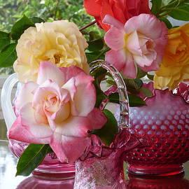 Rose w Vases by Natalya Shvetsky
