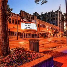 Royal Oak Theater Dsc_0460 by Michael Thomas