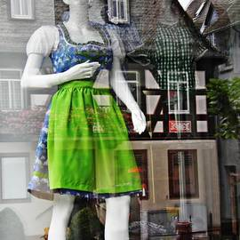 Sarah Loft - Rudesheim Shop Window