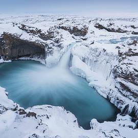 Iurie Belegurschi - Rushing Through Frozen Time