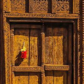 Rustic Brwn Door With Chillies - Garry Gay