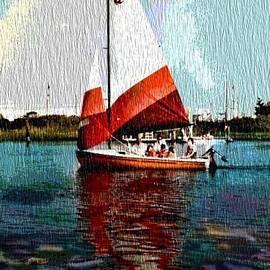 Sail along on the sea