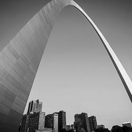 Gregory Ballos - Saint Louis Downtown Skyline Clear Morning Black and White