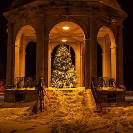 Salem bandstand at Christmas by Jeff Folger
