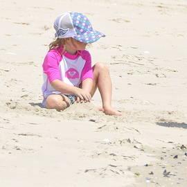 Sue Rosen - Sand baby