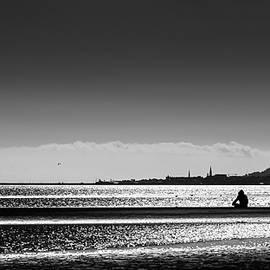 Giuseppe Milo - Sandymount beach - Dublin, Ireland - Black and white street photography