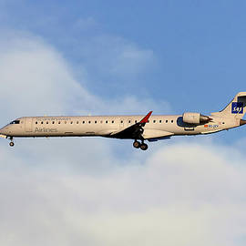 Nichola Denny - SAS Bombardier CRJ-900ER