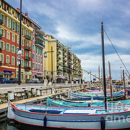 Liesl Walsh - Scenic View of Port de Nice, France