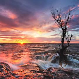 Sea Sunset by Stanislav Salamanov