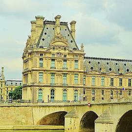 Seine River in Paris France by Linda Covino